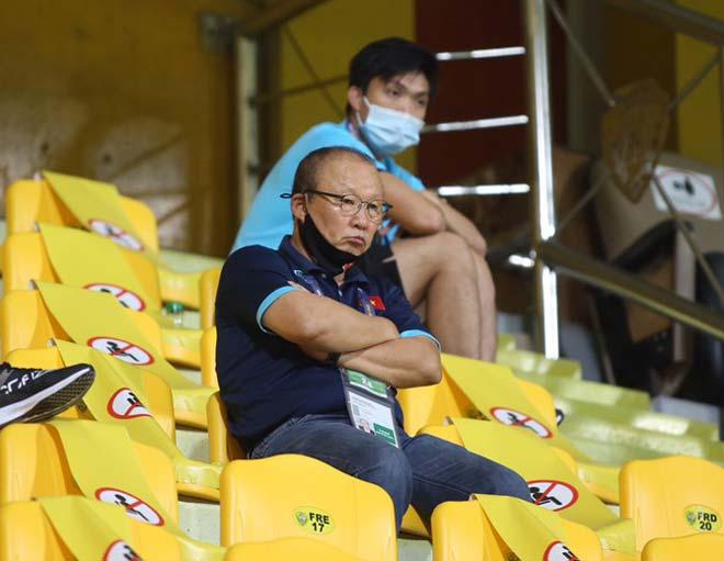 HLV Park Hang Seo ngồi ở đâu, có được liên lạc với ĐT Việt Nam? - 1