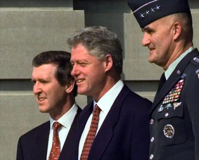 """Sự cố khiến mật mã hạt nhân dưới thời ông Clinton """"bốc hơi"""" trong nhiều tháng và không được tìm lại - 2"""