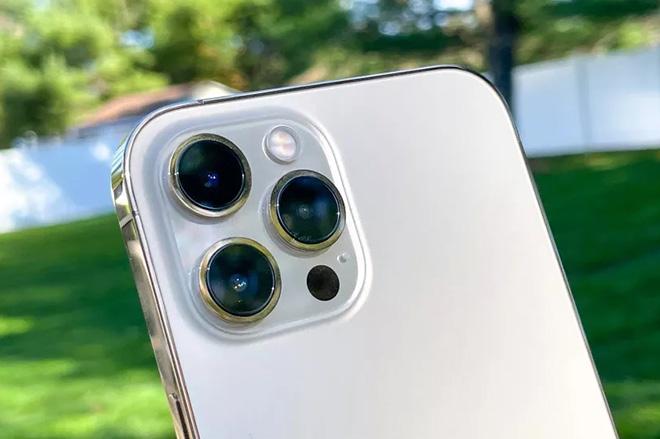 """Vì sao camera iPhone mãi """"không lớn""""? - 3"""