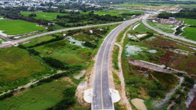 Cận cảnh nút giao 319 kết nối cao tốc Long Thành trước ngày thông xe - 2