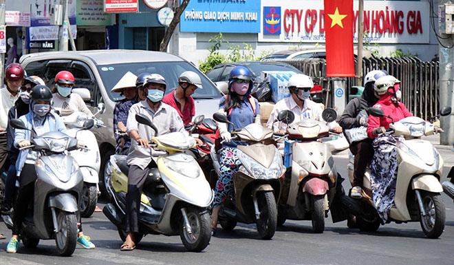 Xe máy bấm còi liên tục khi tham gia giao thông có bị phạt không? - 3