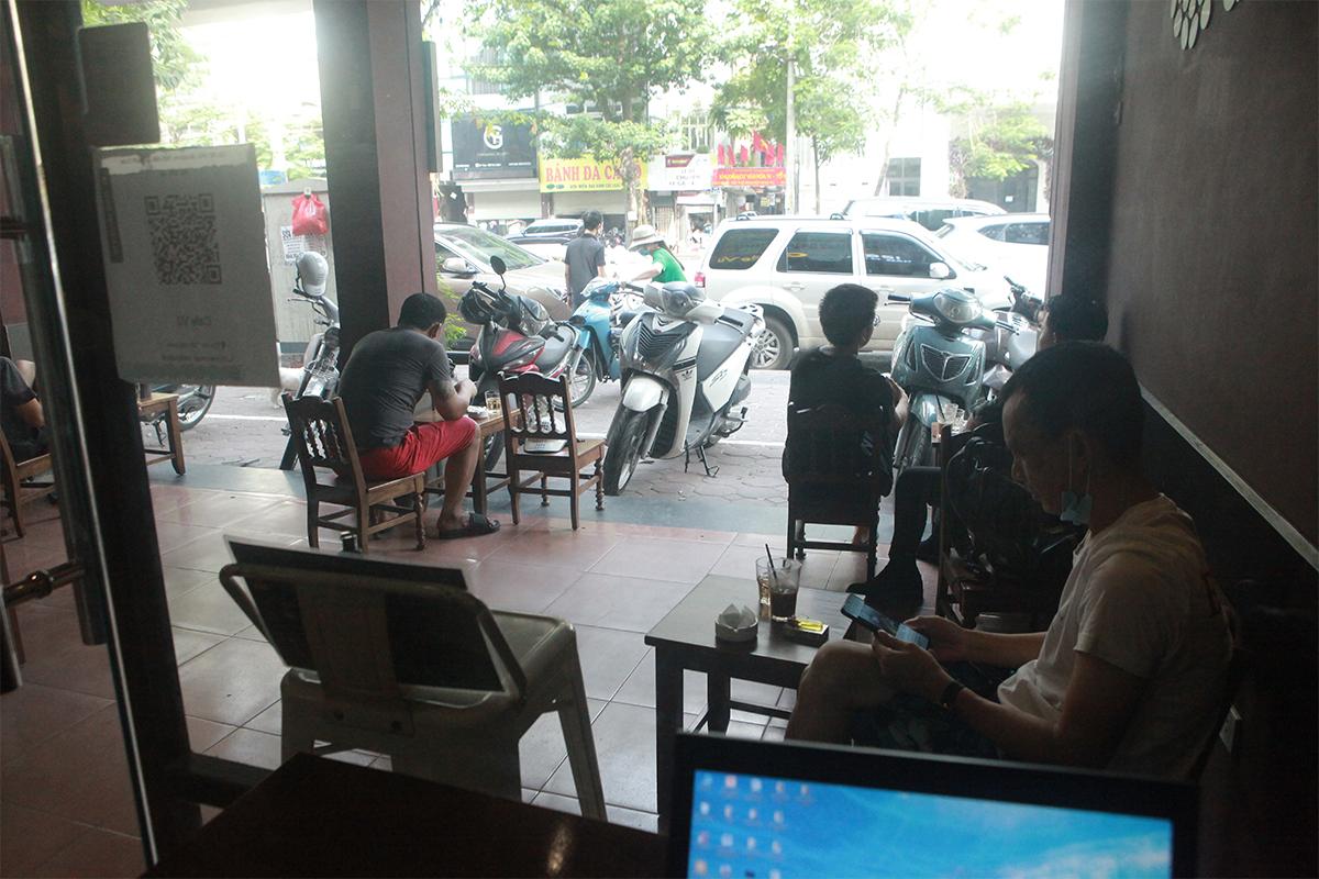 Người Hà Nội ăn phở từ 5h sáng, quán bún 9h đã hết hàng - 16