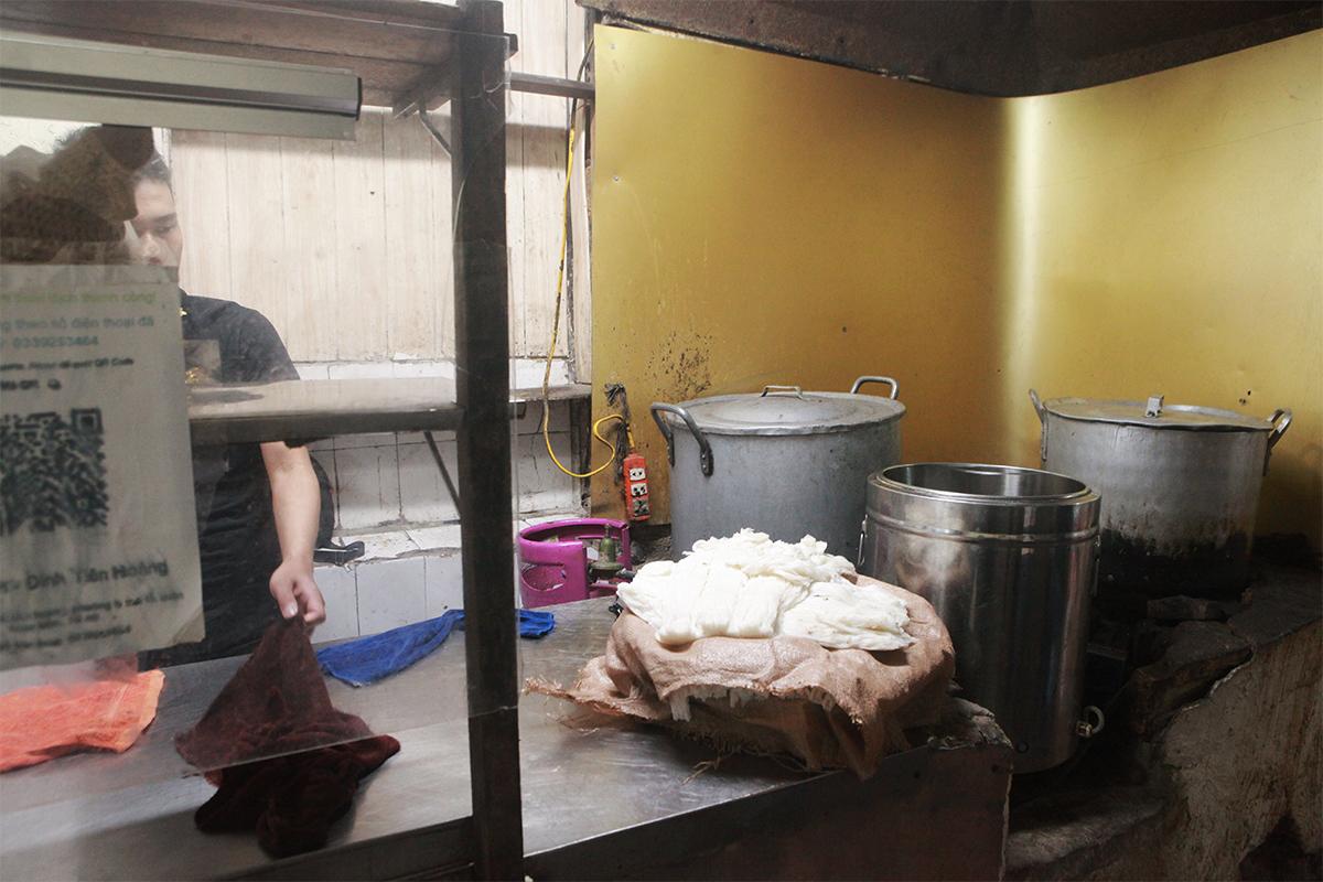 Người Hà Nội ăn phở từ 5h sáng, quán bún 9h đã hết hàng - 2