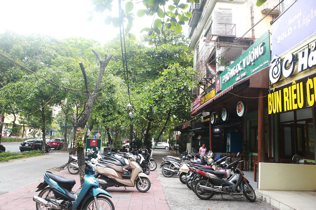 Người Hà Nội ăn phở từ 5h sáng, quán bún 9h đã hết hàng - 4
