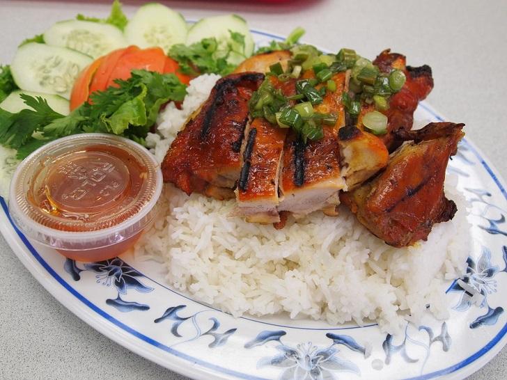 Top 11 món ăn ở Việt Nam được du khách đặc biệt yêu thích - 8
