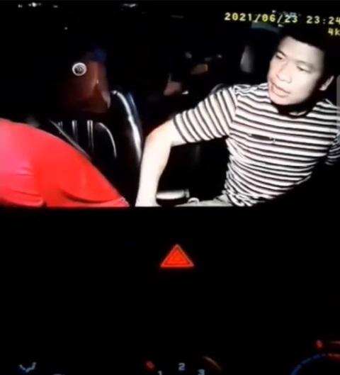 Bị khách chửi bới rồi đấm dã man vào mặt, tài xế taxi nói gì?