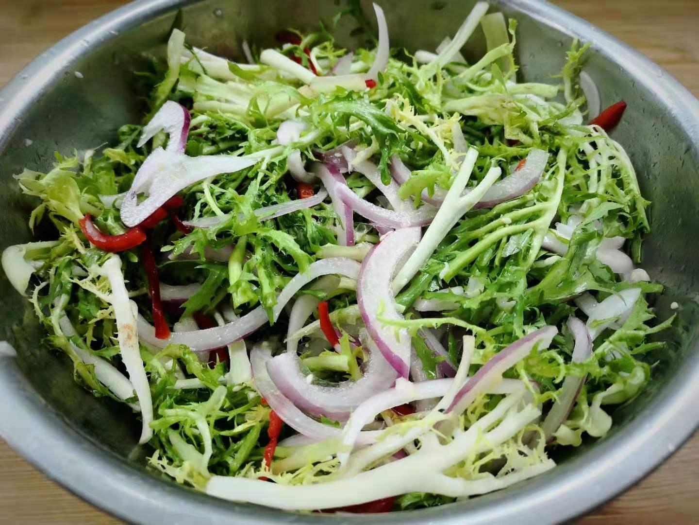 """Loại rau rẻ bèo ngoài chợ không chỉ là """"thần dược"""" giải độc gan còn làm salad cực ngon - 8"""