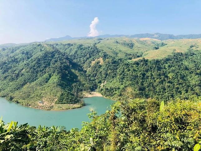 """Hồ thủy điện Rào Quán - """"Ốc đảo"""" nên thơ cho team """"muốn thức dậy ở một nơi xa"""" - 1"""