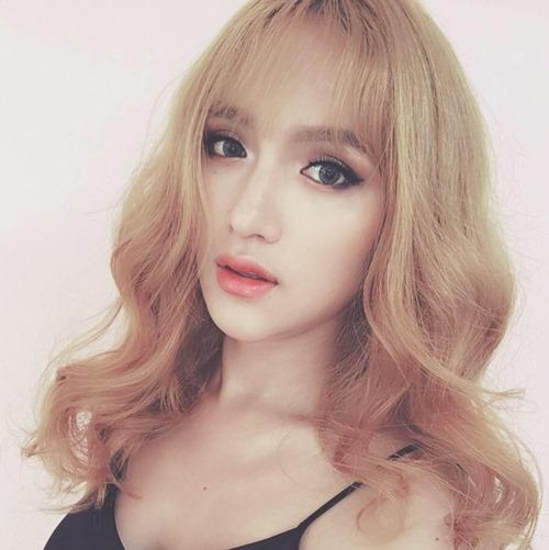 """Không tin nổi cô gái """"tóc vàng hoe"""" này là Hương Giang Idol - hình ảnh 1"""