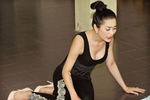 Mât bình tĩnh vì ngắm Hương Giang, Lâm Chi Khanh tập gym - hình ảnh 8