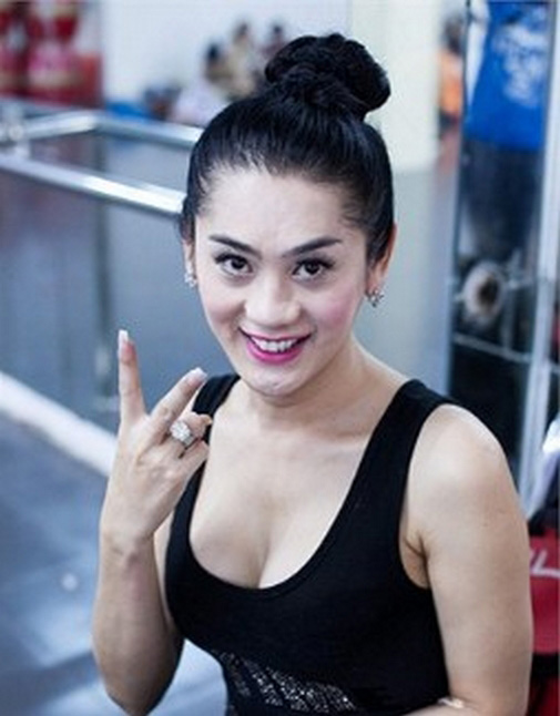 Mât bình tĩnh vì ngắm Hương Giang, Lâm Chi Khanh tập gym - hình ảnh 7