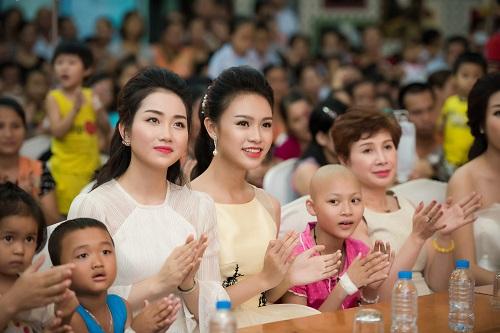 Hoa hậu Mỹ Linh sắm vai chị Hằng yêu thương bệnh nhi - hình ảnh 6