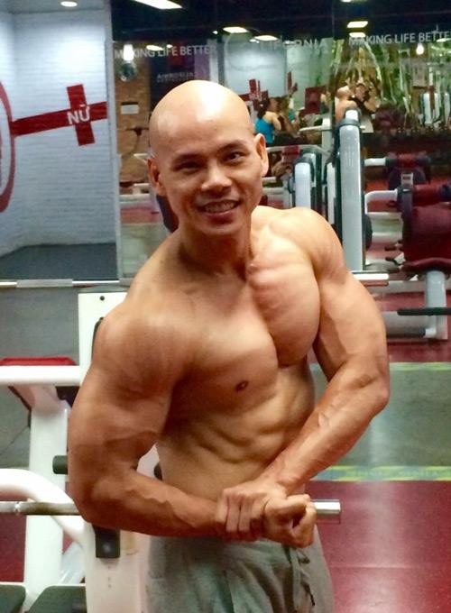 Không thể tin đây là Phan Đinh Tùng ở tuổi 41 - hình ảnh 6