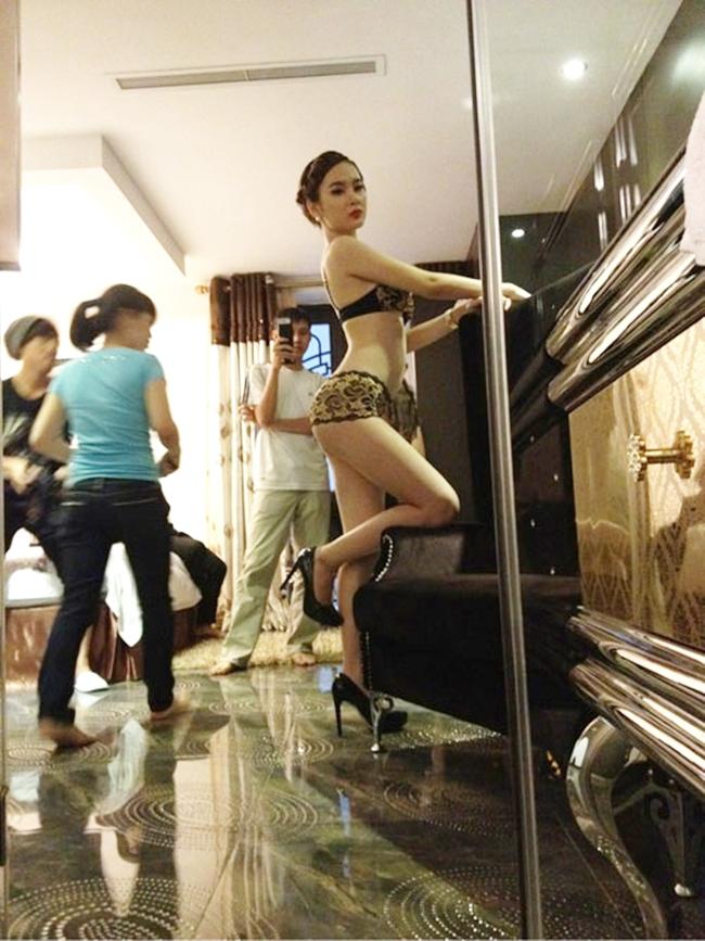 Hậu trường ảnh nội y quá nóng bỏng: Angela Phương Trinh không như fan lầm tưởng - hình ảnh 4