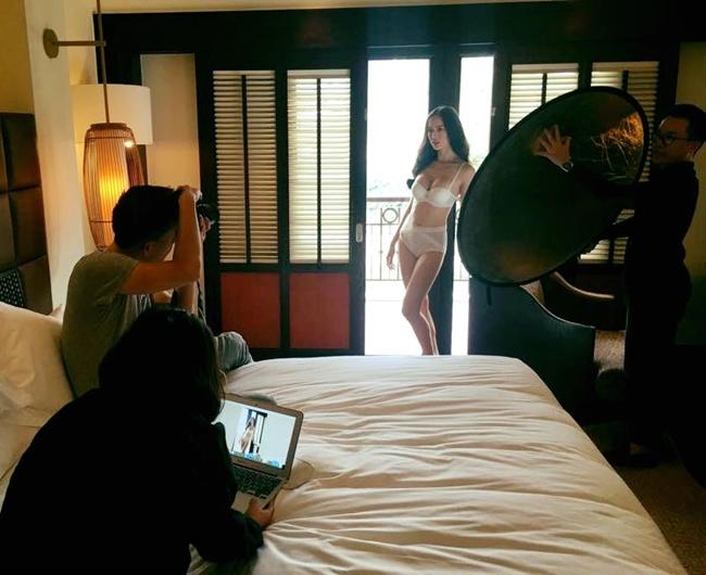 Hậu trường ảnh nội y quá nóng bỏng: Angela Phương Trinh không như fan lầm tưởng - hình ảnh 5