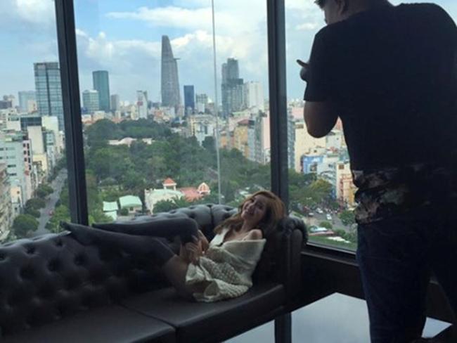 Hậu trường ảnh nội y quá nóng bỏng: Angela Phương Trinh không như fan lầm tưởng - hình ảnh 14