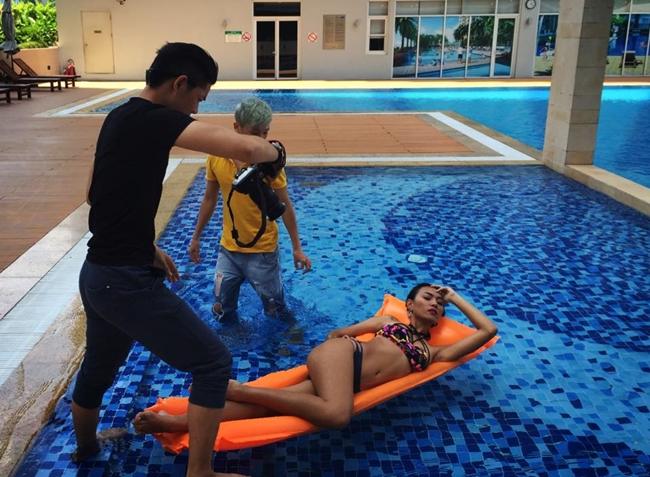 Hậu trường ảnh nội y quá nóng bỏng: Angela Phương Trinh không như fan lầm tưởng - hình ảnh 15