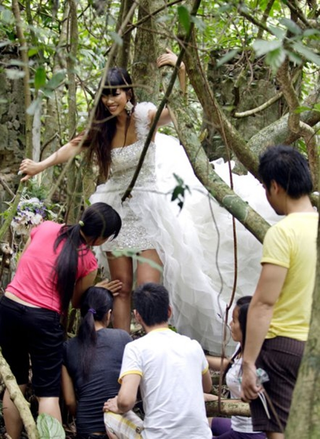 Hậu trường ảnh nội y quá nóng bỏng: Angela Phương Trinh không như fan lầm tưởng - hình ảnh 23
