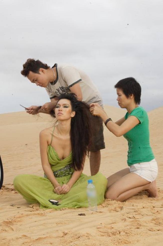 Hậu trường ảnh nội y quá nóng bỏng: Angela Phương Trinh không như fan lầm tưởng - hình ảnh 22