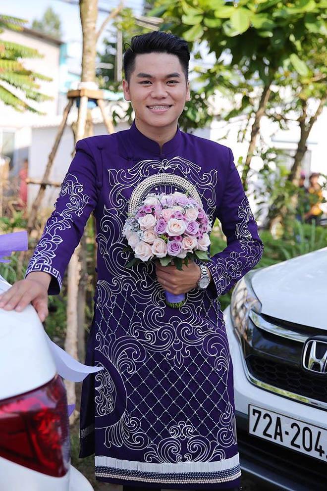 Lê Phương thẹn thùng được chồng trẻ hôn tại lễ cưới - hình ảnh 3