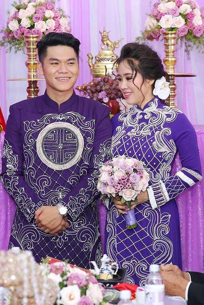 Lê Phương thẹn thùng được chồng trẻ hôn tại lễ cưới - hình ảnh 6