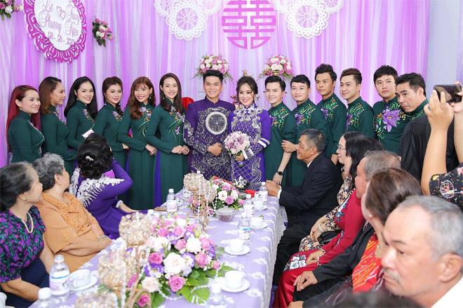 Lê Phương thẹn thùng được chồng trẻ hôn tại lễ cưới - hình ảnh 8