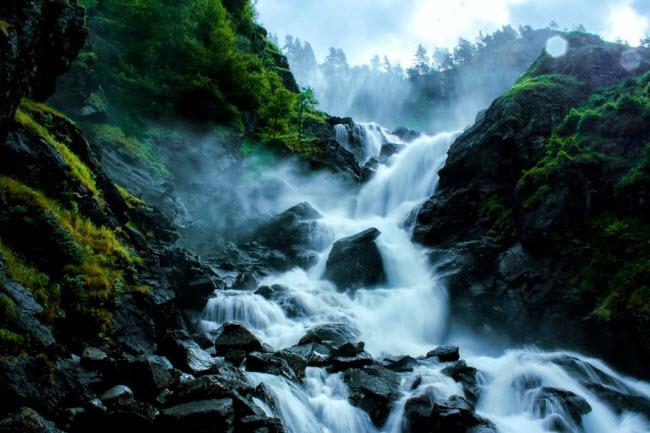 Sững sờ trước cảnh thiên nhiên đẹp như cổ tích ở Na Uy - hình ảnh 2