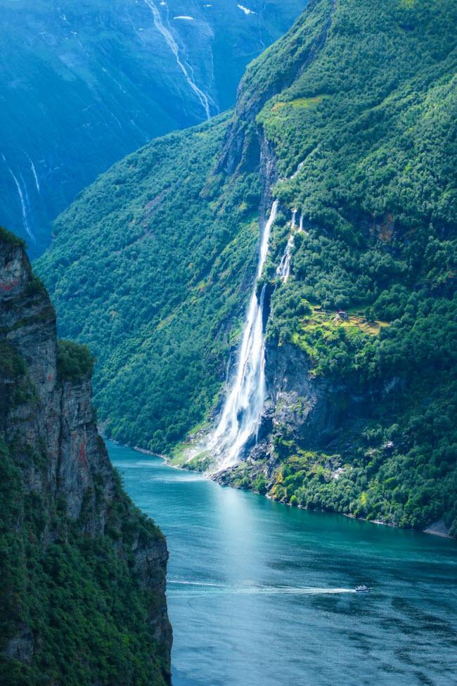 Sững sờ trước cảnh thiên nhiên đẹp như cổ tích ở Na Uy - hình ảnh 3
