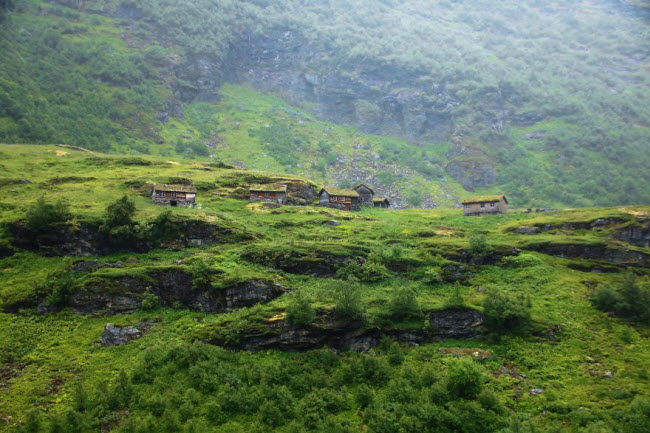 Sững sờ trước cảnh thiên nhiên đẹp như cổ tích ở Na Uy - hình ảnh 5