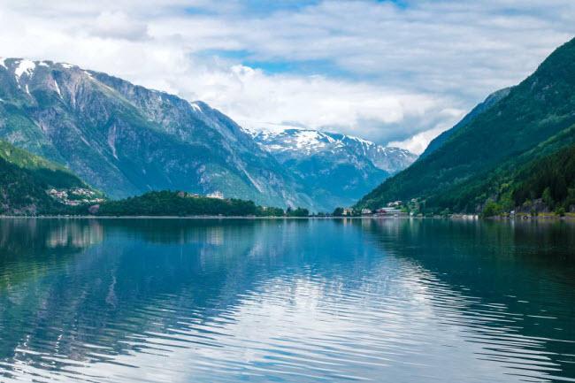 Sững sờ trước cảnh thiên nhiên đẹp như cổ tích ở Na Uy - hình ảnh 14