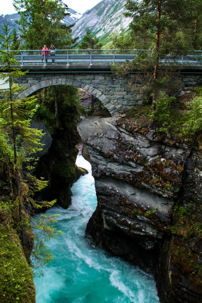 Sững sờ trước cảnh thiên nhiên đẹp như cổ tích ở Na Uy - hình ảnh 13