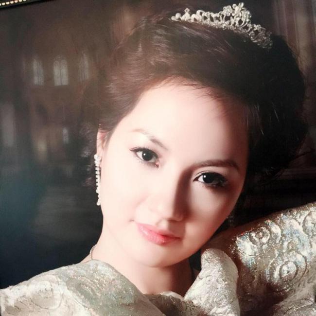 """Những bà mẹ """"đẹp như hoa hậu"""" trong showbiz Việt - hình ảnh 3"""