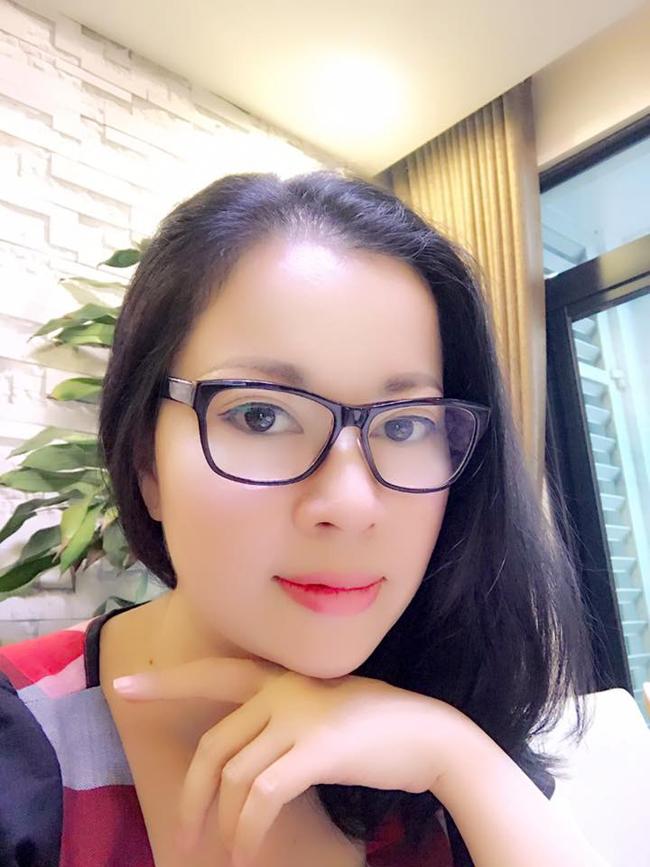 """Những bà mẹ """"đẹp như hoa hậu"""" trong showbiz Việt - hình ảnh 7"""