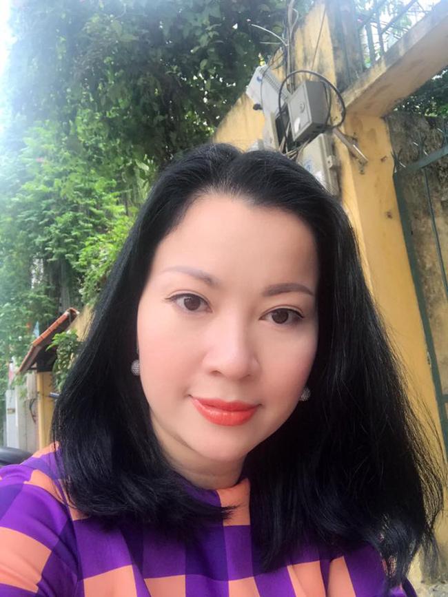"""Những bà mẹ """"đẹp như hoa hậu"""" trong showbiz Việt - hình ảnh 10"""