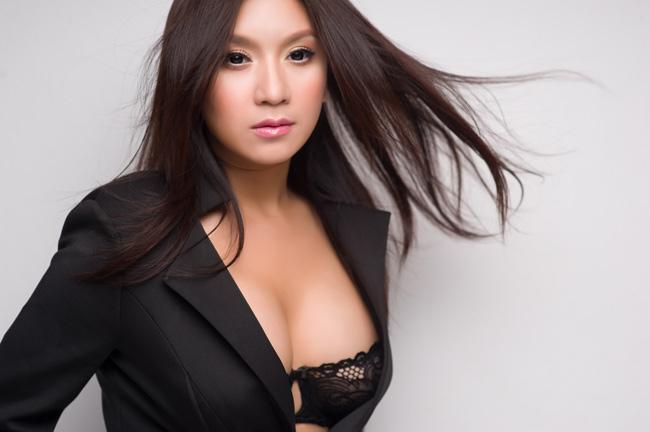 Người tình màn ảnh sexy nhất của Lý Hùng: Cát-xê một thuở 15 cây vàng - hình ảnh 8