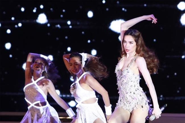 Càng yêu nồng nhiệt, mỹ nhân Việt càng sexy trên sân khấu - hình ảnh 10