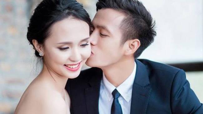 """""""Nóng bừng"""" vì 4 cô vợ hot girl gợi cảm của chân sút Việt - hình ảnh 21"""