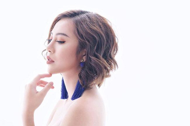 """Đẫy đà mơn mởn, hot girl Quảng Ninh vẫn bại dưới tay """"cô gái chân khoèo"""" - hình ảnh 16"""