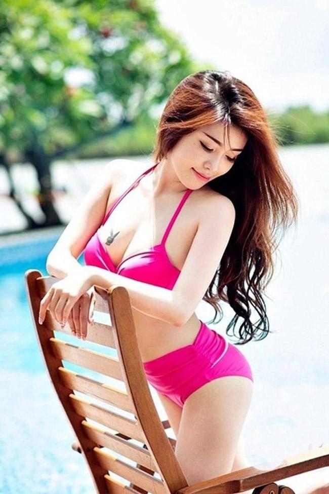 Bản sao của Elly Trần khoe vẻ nóng bỏng từng cm - hình ảnh 3