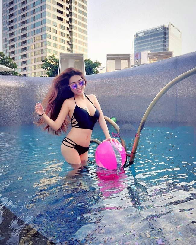 Bản sao của Elly Trần khoe vẻ nóng bỏng từng cm - hình ảnh 18