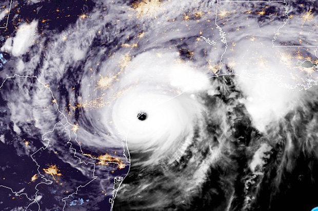 Sức mạnh của bão số 10 so với siêu bão Harvey như thế nào? - hình ảnh 2