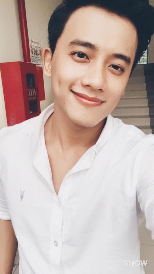 Mê mẩn vẻ điển trai của thầy giáo trong MV Hương Tràm - hình ảnh 10