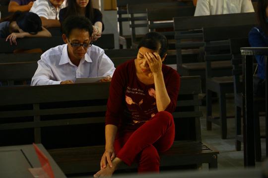 Nóng 24h qua: Giây phút bất ngờ khi mẹ tử tù Nguyễn Văn Tình gặp con trốn trại - hình ảnh 3