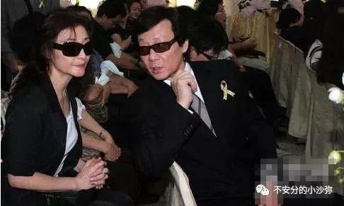 Nam diễn viên có hai vợ chung sống hòa thuận như chị em một nhà - hình ảnh 2