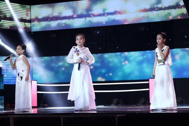 Hương Tràm nhún nhảy cuồng nhiệt, phá lệ hát cùng học trò The Voice Kids - hình ảnh 3