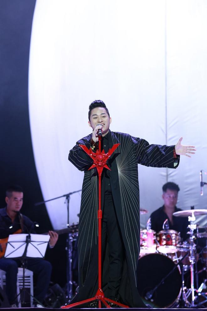 Tùng Dương bị Hồng Nhung từ chối song ca vì tiết lộ tuổi tác - hình ảnh 1