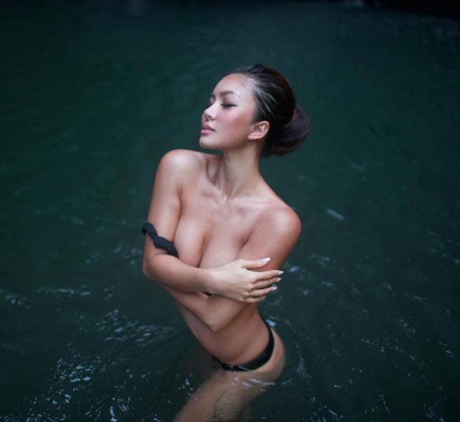 """""""Ngây dại"""" vì đường cong uyển chuyển như sóng của mỹ nữ yoga sexy nhất thế giới - hình ảnh 1"""