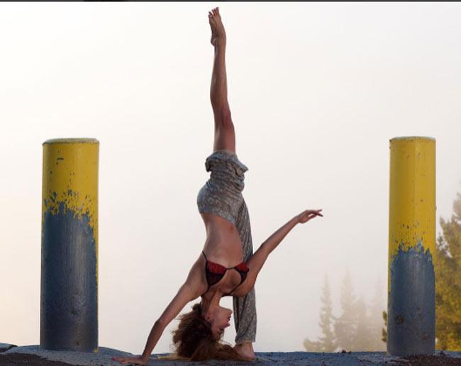 """""""Ngây dại"""" vì đường cong uyển chuyển như sóng của mỹ nữ yoga sexy nhất thế giới - hình ảnh 14"""