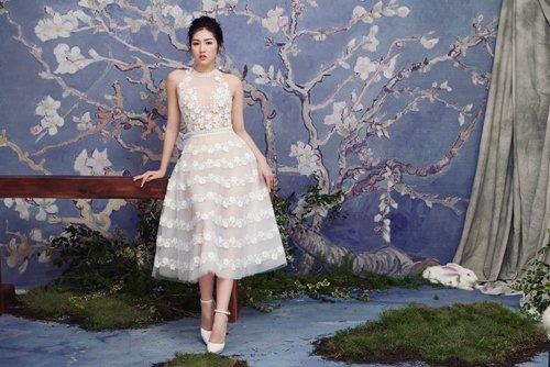 """""""Bạn gái Noo Phước Thịnh"""" diện váy mỏng tang đẹp như nàng thơ - hình ảnh 1"""