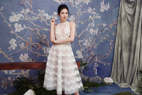 """""""Bạn gái Noo Phước Thịnh"""" diện váy mỏng tang đẹp như nàng thơ - hình ảnh 2"""